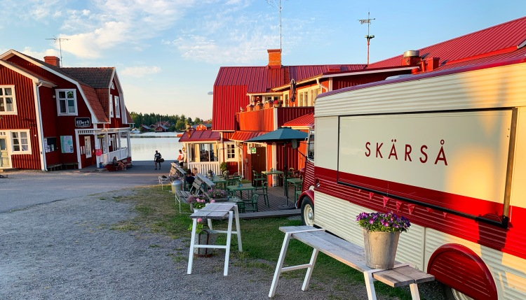 Restaurang Albertina i Skärså fiskeläge.