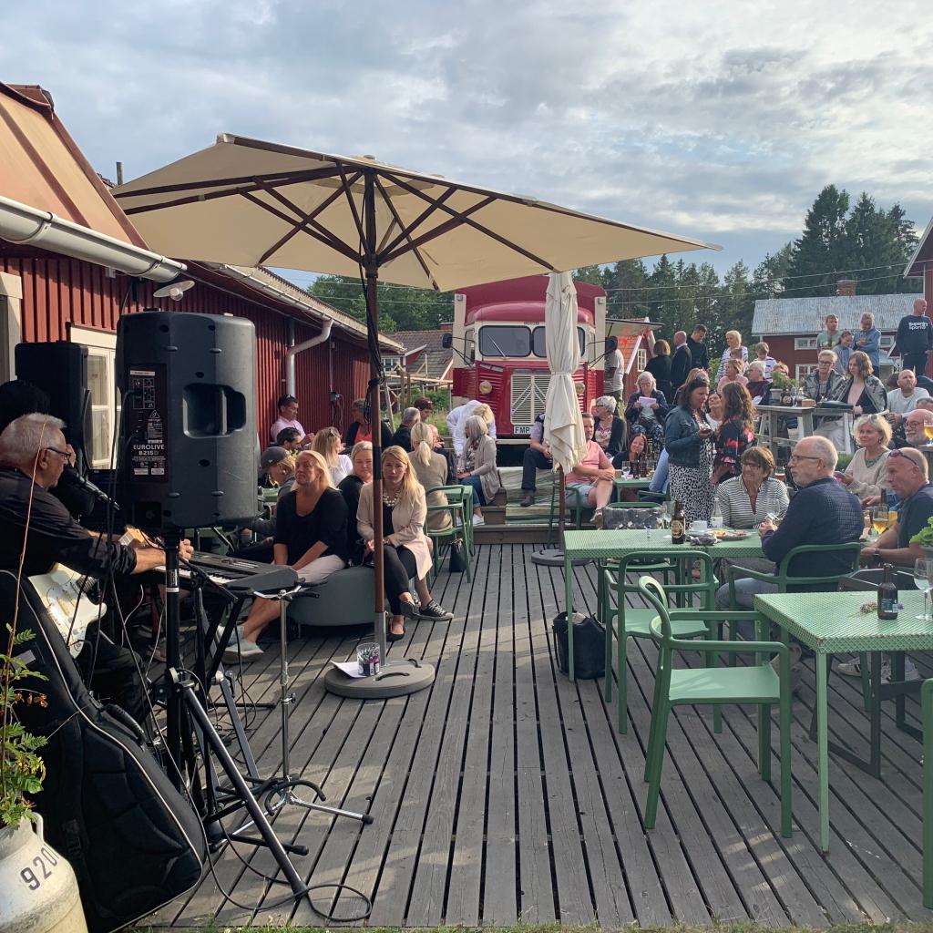Loungen på Albertina under pub & musik i Skärså, Söderhamn